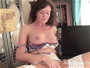 first kinky video for fabulous mature mom